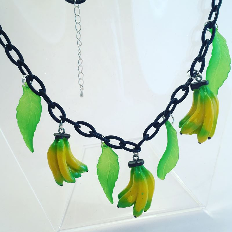1940s Celluloid Style Lemons And Leaves Fruit Necklace