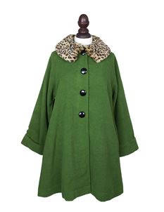 Friday On My Mind 1950s Faux Fur Collar Green Coat